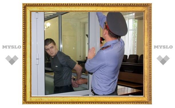 """Защита обвиняемого в убийстве пяти человек: """"Почему орудие убийства нашли после того, как увезли Иванченко?"""""""