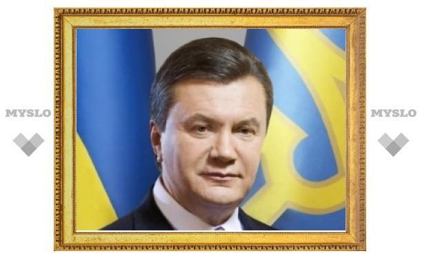 Янукович распорядился решить проблемы крымских татар