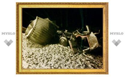 Восстанавливавших движение после столкновения КамАЗа и пассажирского поезда под Тулой поблагодарил глава региона