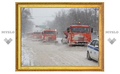 Уборке Тулы от снега мешал большегрузный транспорт