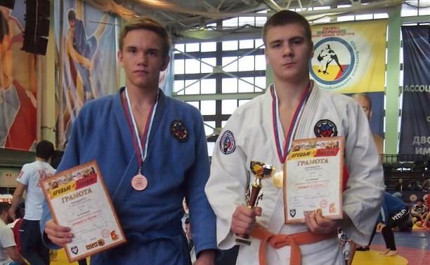 Туляки выиграли золото и бронзу на турнире по грепплингу в Москве