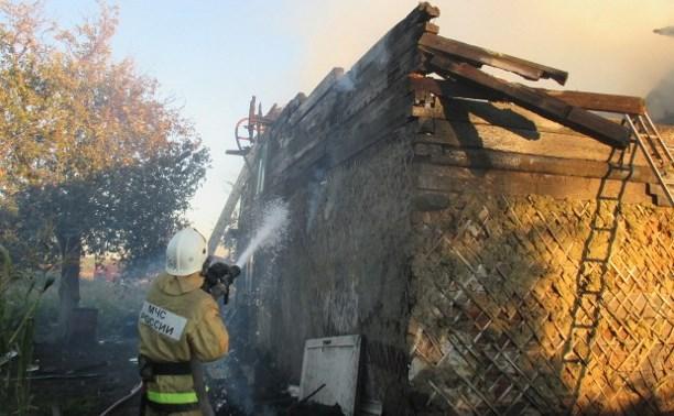 В Узловском районе сгорела крыша сарая