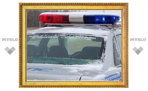 На ул. Кутузова в Туле перевернулся грузовик