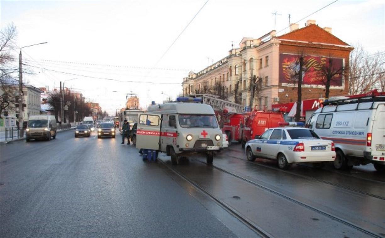 В Туле при столкновении легкового автомобиля с грузовиком пострадали дети