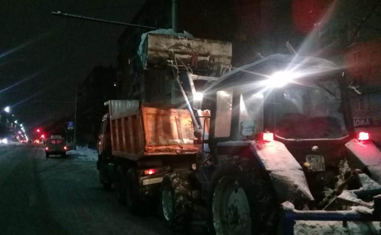 Чистят снег: ночью 29 декабря запретят остановку на улице Гоголевской в Туле