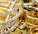 Житель Новомосковска украл у соседки ювелирные изделия на 30 тысяч рублей