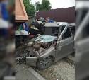 В Тульской области КамАЗ подмял ВАЗ-2111