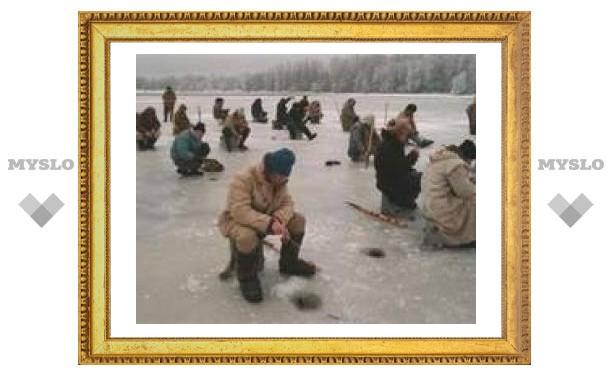 Приморский сторож спас с дрейфующей льдины 70 рыбаков