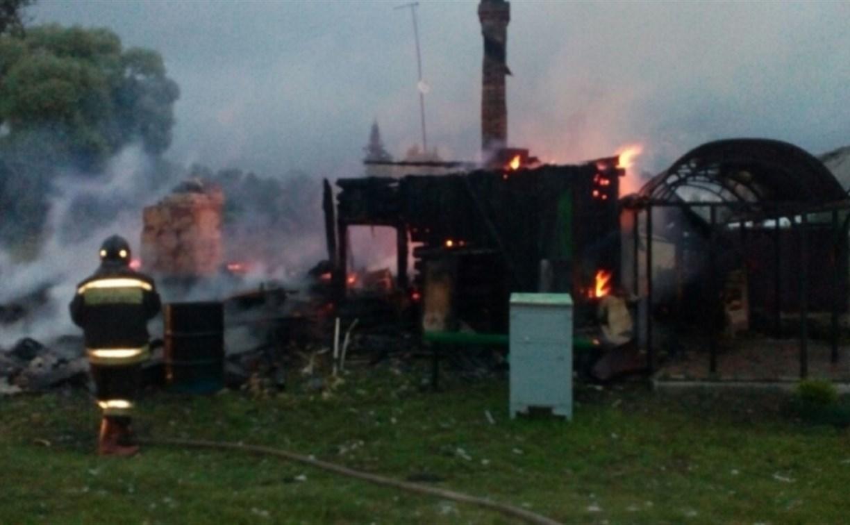 В Ясногорском районе полностью сгорел жилой дом