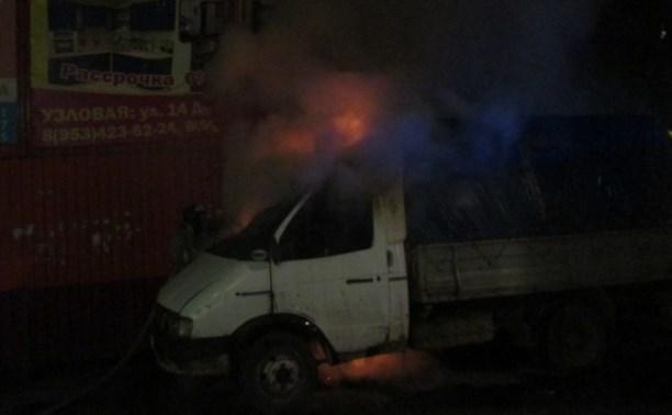Вечером 12 августа в Тульской области загорелись два автомобиля
