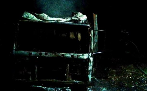 Ночью в Барсуках сгорел грузовой «Мерседес»