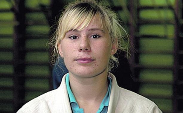 Тульская самбистка победила на чемпионате округа