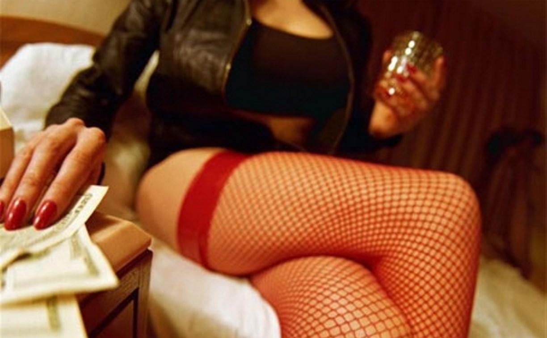 Туляк и его сожительница организовали притон с тремя проститутками