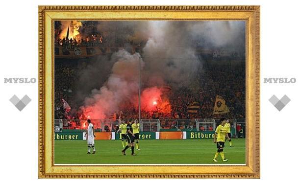 Футбольные фанаты устроили беспорядки на матче Кубка Германии