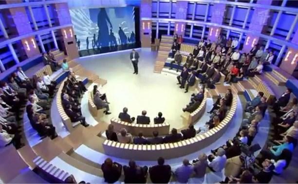 Владимир Груздев обсудил с Петром Толстым проблемы российско-украинских взаимоотношений