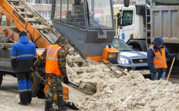 Замглавы администрации Тулы проконтролировал уборку снега в городе