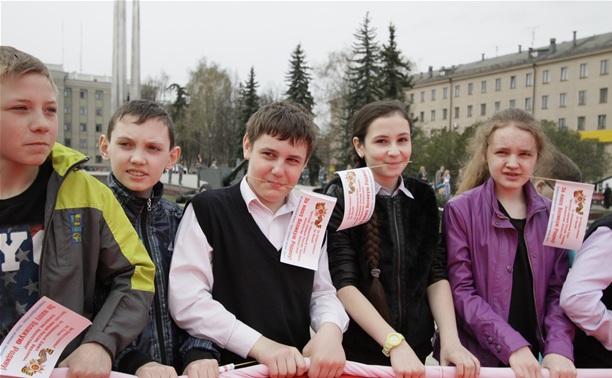 В Туле развернули флаг Победы