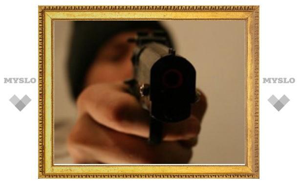 Туляк ворвался в магазин с пистолетом и словами: «Стреляю я быстрее, чем думаю!»