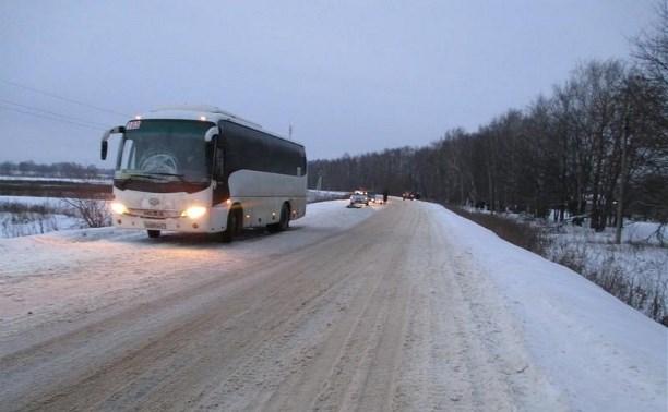 Под Алексином автобус насмерть сбил пешехода