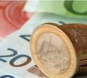 Эксперты: Курсы евро и доллара растут из-за паники россиян