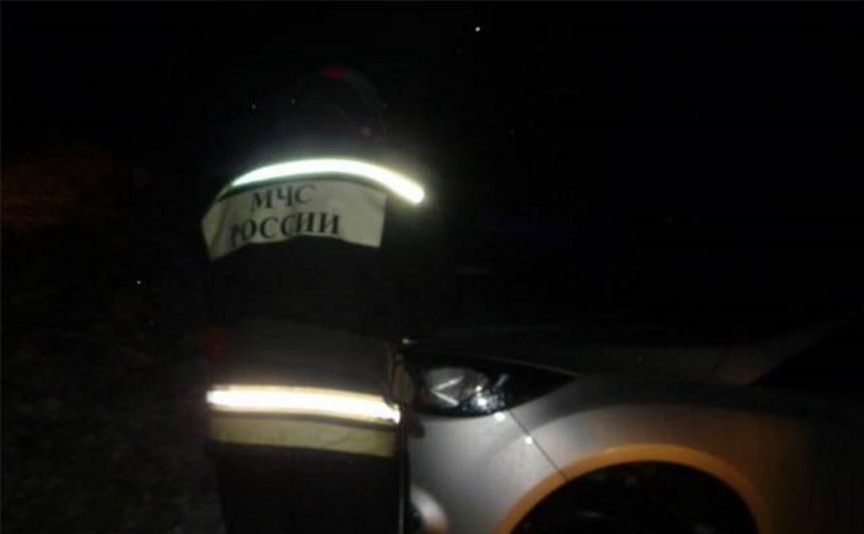 Ночью на М2 столкнулись легковушка и грузовик