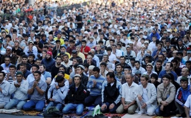 Мусульмане празднуют окончание поста Рамадан