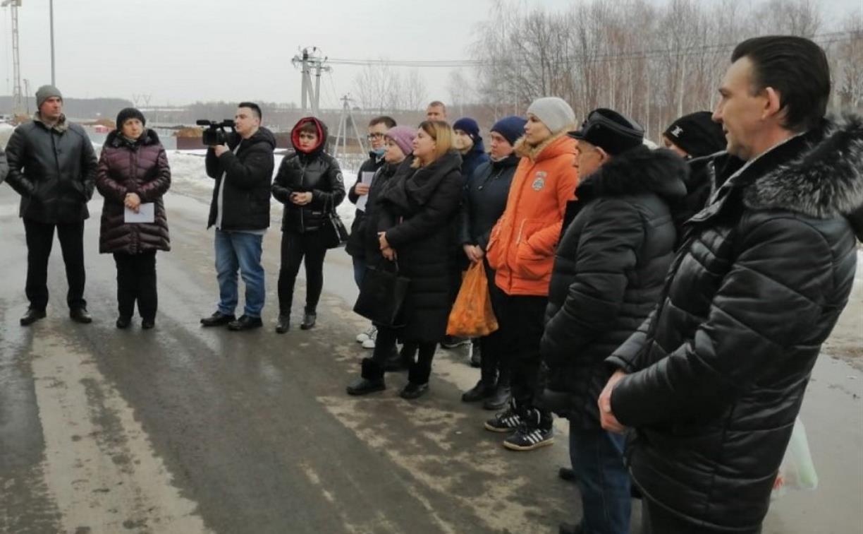 Жители Северной Мызы попросили водителей маршруток соблюдать расписание и сделать больше остановок