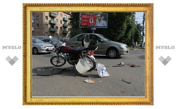 В Туле автоледи сбила пожилого скутериста