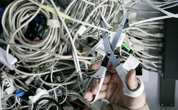 Двое кимовчан воровали коммутаторы для подключения к интернету