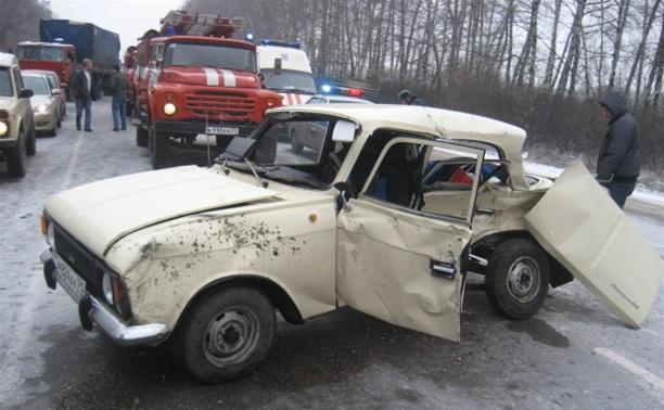 На трассе «Тула-Новомосковск» крупное ДТП с тремя авто