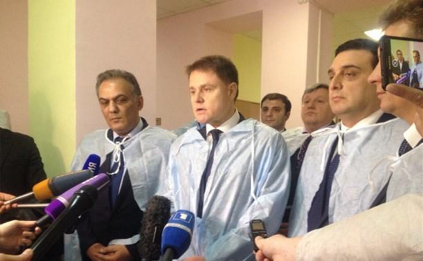 Делегация из Армении и Владимир Груздев навестили пострадавших в ДТП с автобусом «Москва-Ереван»