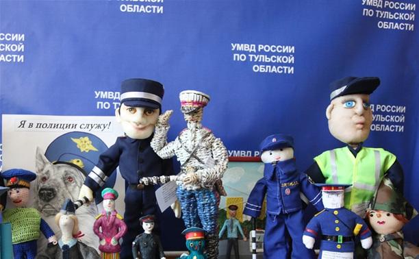 Юные туляки изготовили игрушечных полицейских