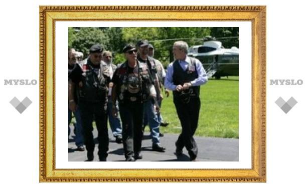 Президент США Джордж Буш стал почетным байкером