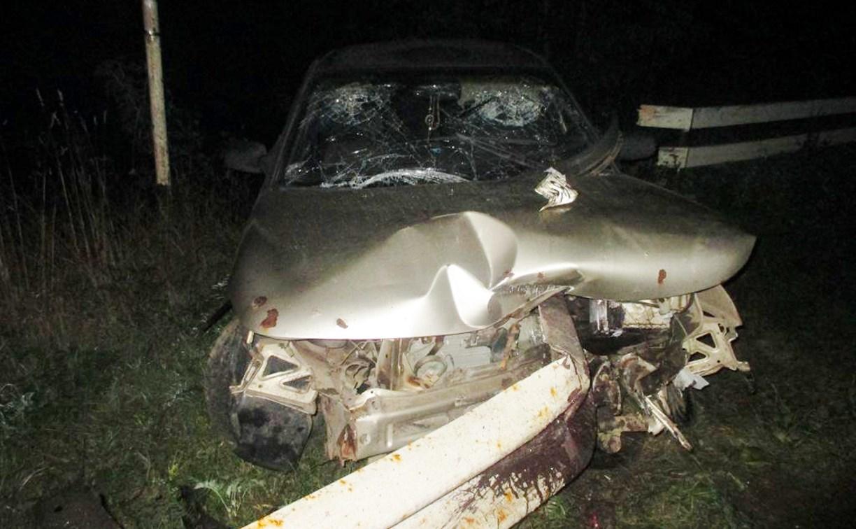 В Тульской области водитель на скорости протаранил отбойник