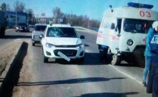 В Новомосковске водитель сбил мужчину и скрылся с места аварии