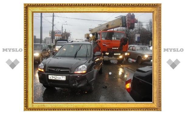Пять автомобилей столкнулось возле областного ГИБДД