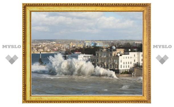 В Крыму и Одессе объявили штормовое предупреждение