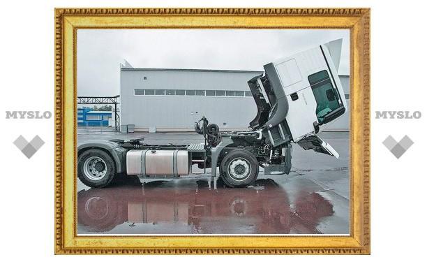 Кабина грузовика задавила дальнобойщика