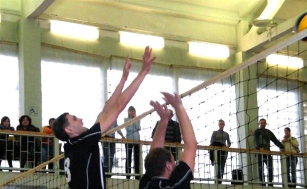 В Тульской волейбольной лиге продолжится погоня за лидером