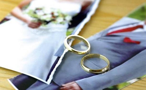 Жительница Суворовского района требует от мужа 500 тысяч рублей за измену