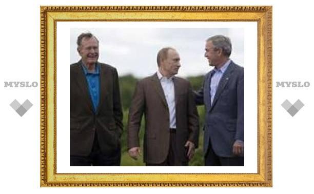 Путин приехал на переговоры в поместье Буша