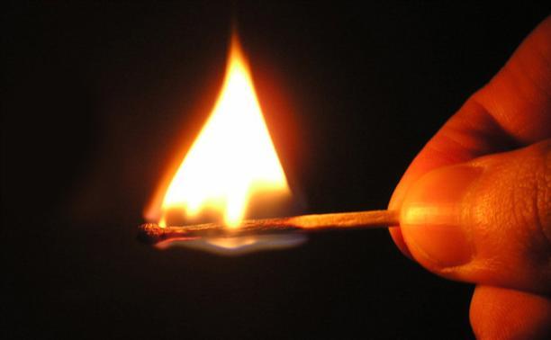 При попытке сжечь дом пьяный туляк едва не сгорел заживо
