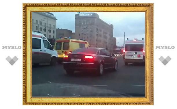 """ГИБДД объяснила остановку """"скорой помощи"""" перед VIP-кортежем"""