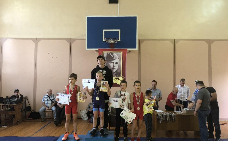 Юные туляки успешно выступили на турнире по греко-римской борьбе в Белоруссии