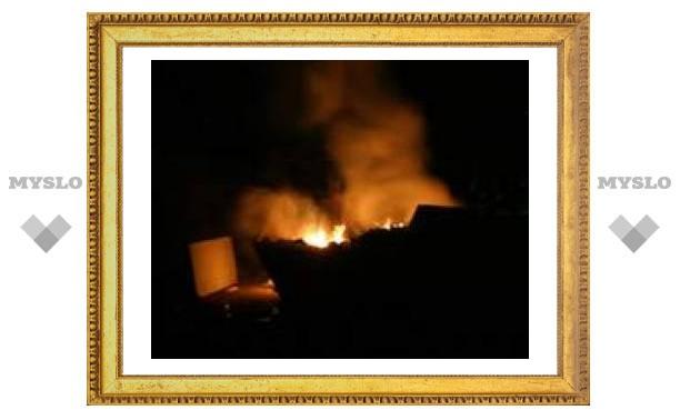 В Туле отходы сжигают прямо в помойке