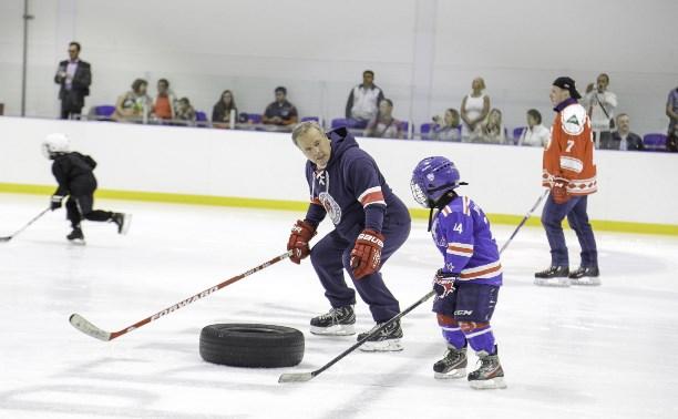 Легенды хоккея провели мастер-класс в Туле