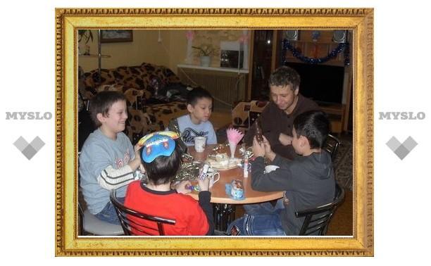 Активисты движения «Единство» устроили праздник детям