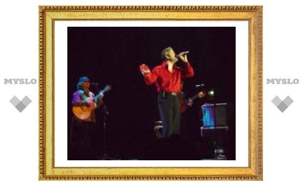 Андрей Бандера спел для туляков