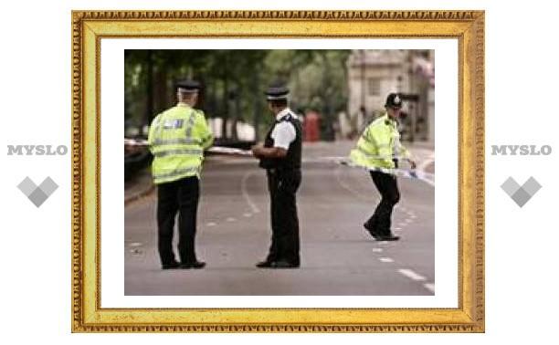 Британская полиция разыскивает еще троих террористов