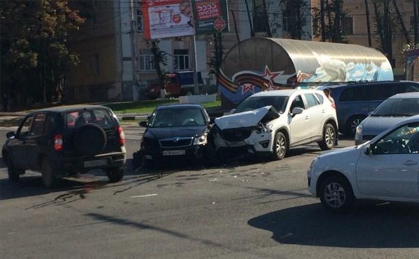 На проспекте Ленина из-за ДТП образовалась большая автомобильная пробка